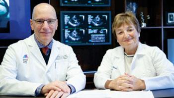 Imagen: El Dr. David Adams y la Dra. Julie Swain de CMeD (Fotografía cortesía de Mount Sinai Heart).