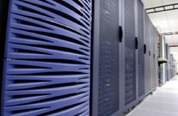 Imagen: El supercomputador UV2 del Centro para Investigación en Salud por Medios Electrónicos (Fotografía cortesía de HeRC).