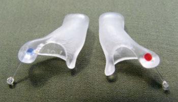 Insertos personalizados de oídos tratan dolor por la TJM