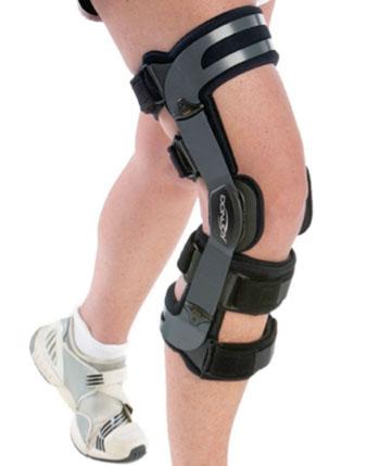 Imagen: El soporte para la rodilla OAdjuster OA Valgus (Fotografía cortesía de DonJoy).