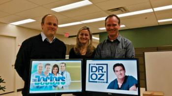 Imagen: Los autores del estudio Mike Kolber, Christina Korownyck y Mike Allan (Fotografía cortesía de la Universidad de Alberta).
