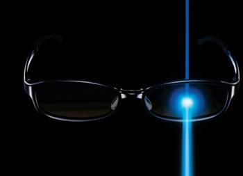 Imagen: Las lentes Jins Screen reducen la transmisión de la luz azul (Fotografía cortesía de Jins).