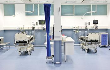 Imagen: Dentro del nuevo pabellón de A&E del Hospital Real Victoria (Fotografía cortesía del Grupo de Medios de Belfast).